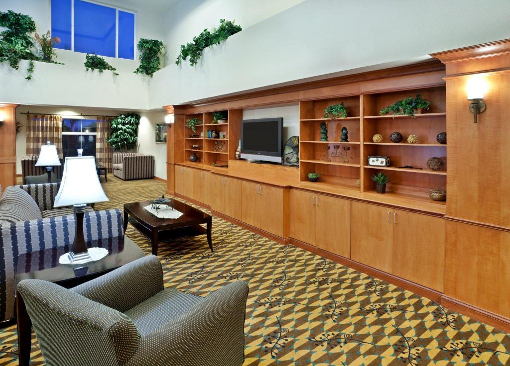 Interior view Holiday Inn Express Hotel & Suites Nampa