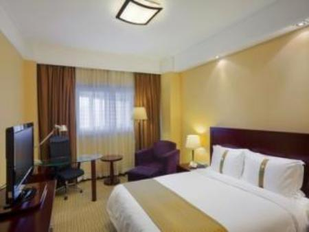 1 Queen Bed Superior Non-Smoking Holiday Inn Downtown Shanghai