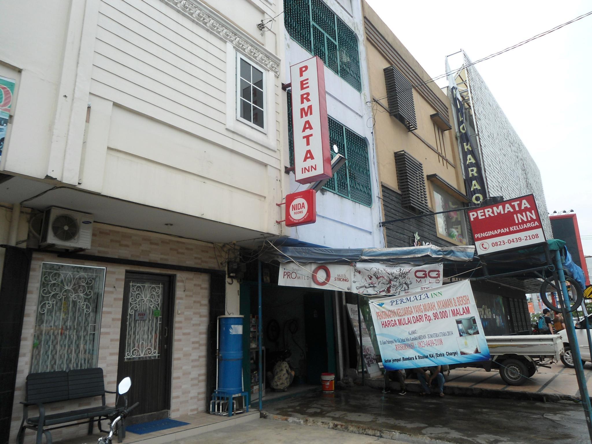 Surface Standard Salle De Bain permata inn, centre-ville de medan, (medan, indonésie
