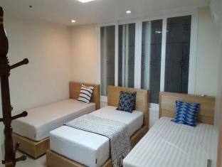Spacious Apartment in Central Seoul