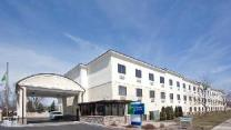 Holiday Inn Express Brookpark-Cleveland Airport Hotel