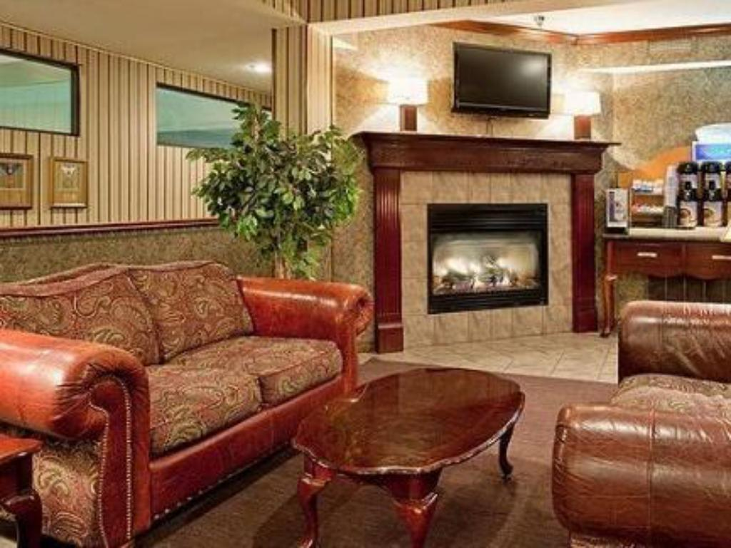 Interior view Holiday Inn Express Osage Beach - Lake of the Ozarks