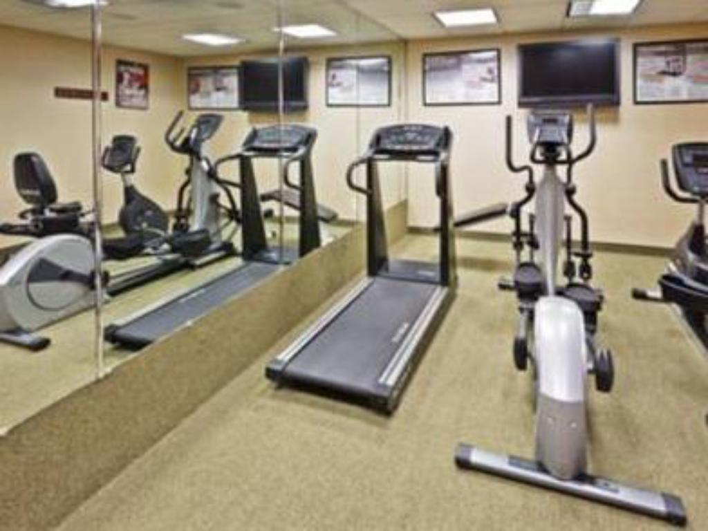 Fitness center Holiday Inn Express Hotel & Suites Kimball