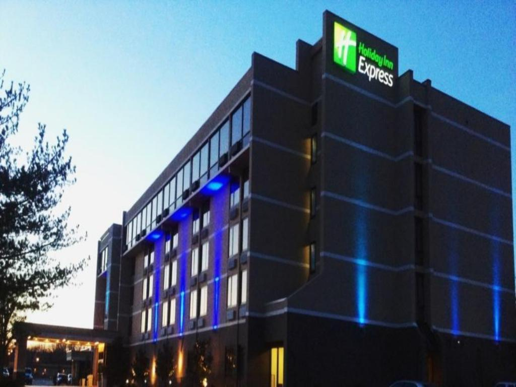 More about Holiday Inn Express Aberdeen-Chesapeake House