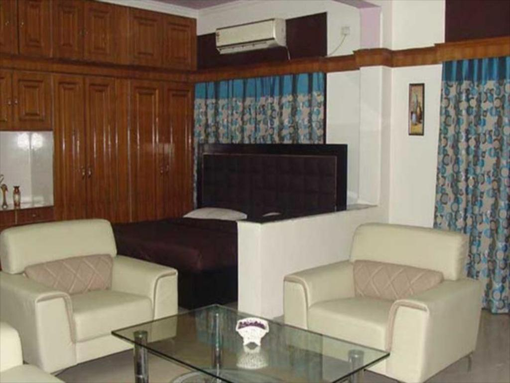 Интериор на хотела When In Gurgaon Extended Stays Serviced Apartments
