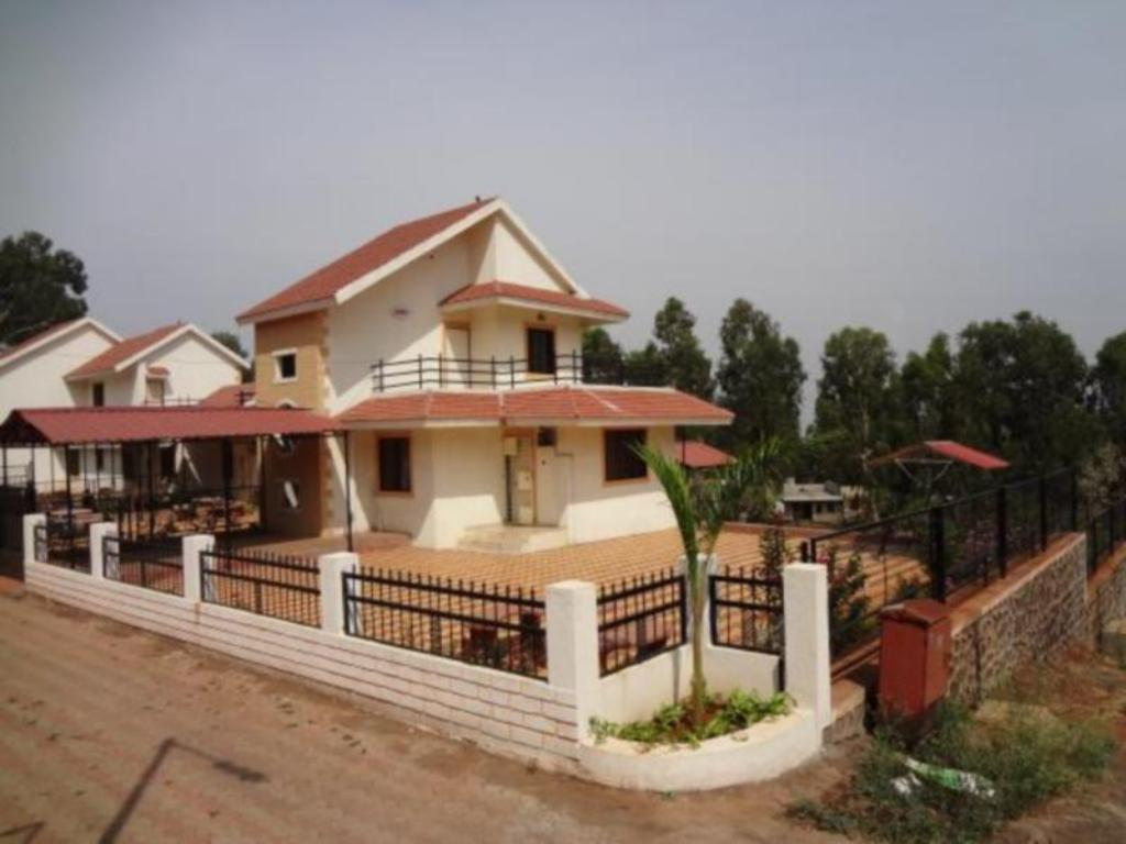 More about Nishs Bungalow