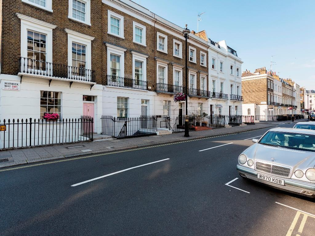 Veeve  Traditional 4 Bed House Warwick Way Pimlico