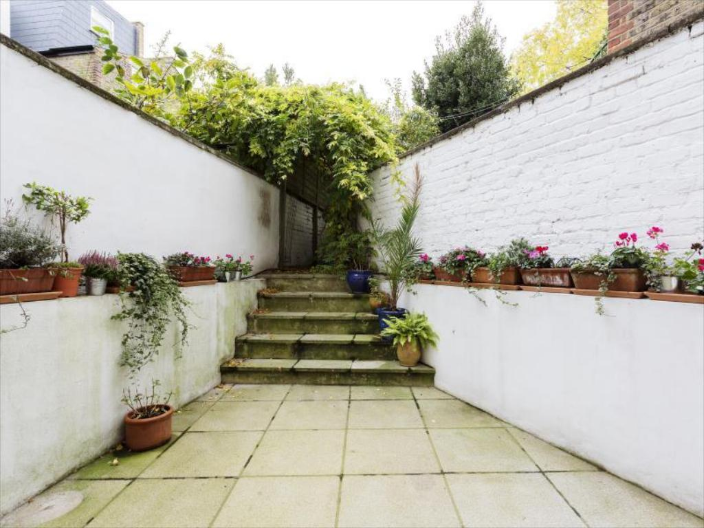 Balkon Veeve  4 Bed Family Home With Garden Walkway Fulham
