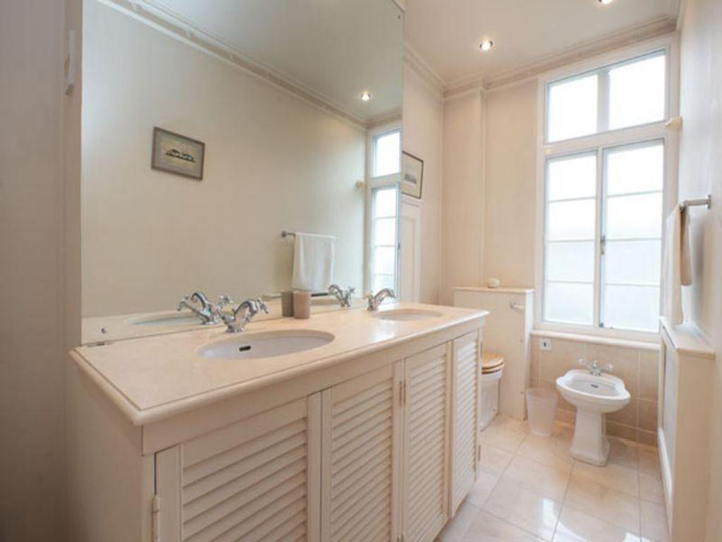 Alle 21 ansehen Veeve  Grand 2 Bed 2 Bath In Belgravia