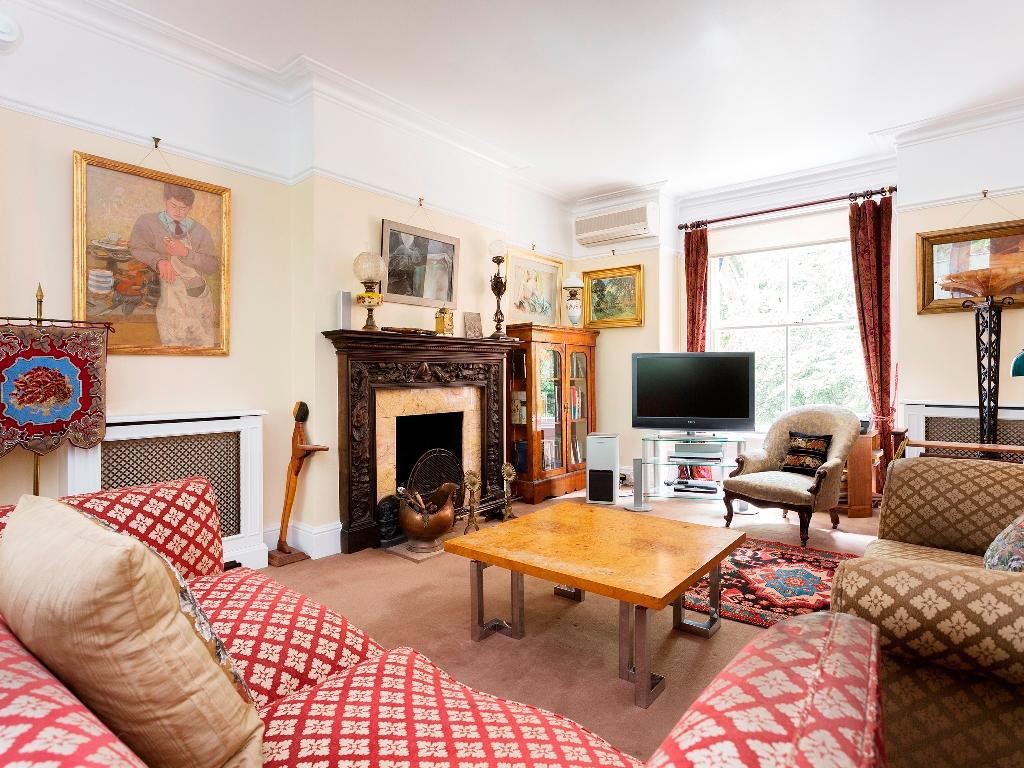 Interior view Veeve  4 Bed Kensington House On Kensington Church Street