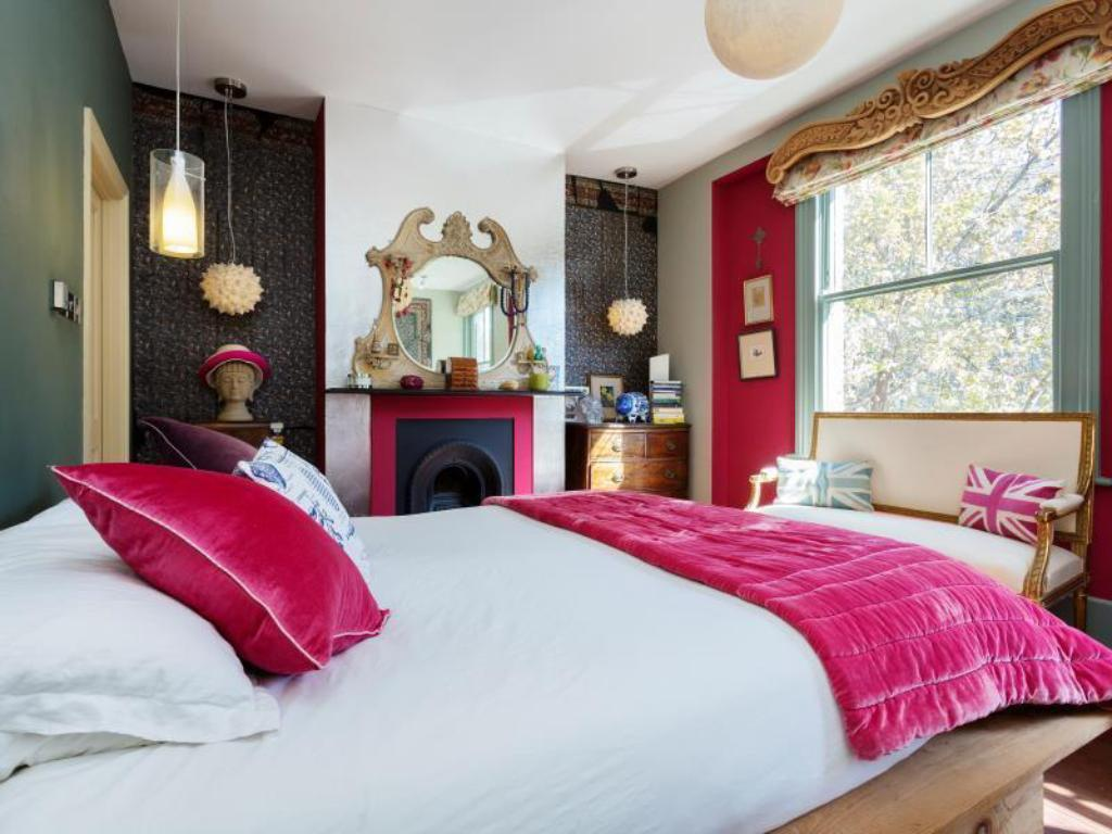 Tempat tidur Veeve  3 Bed House On Bonnington Square Vauxhall