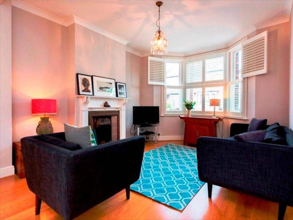 Interior view Veeve  3 Bed Cottage Binns Road Chiswick