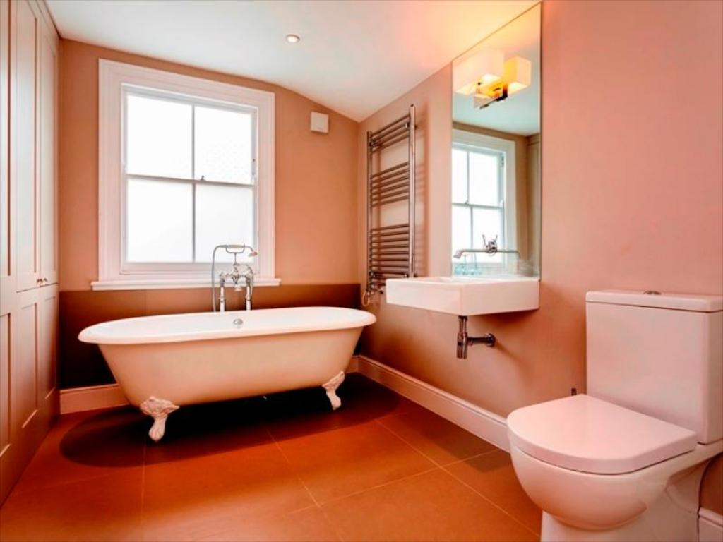 Bathroom Veeve  3 Bed Cottage Binns Road Chiswick
