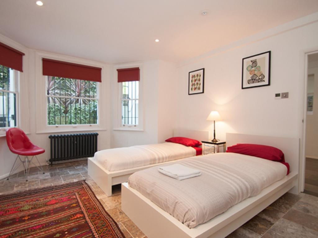 Pokoj se 3 ložnicemi Veeve 3 Bed With Steam RoomGarden Holland Park Kensington (Veeve  3 Bed With Steam RoomGarden Holland Park Kensington)