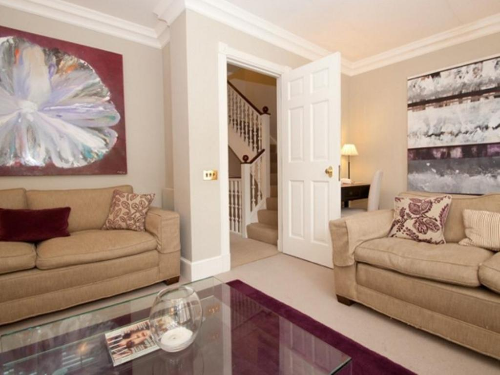 Vista interior Veeve  Chelsea Townhouse Charles Ii Place Just Off King S Road