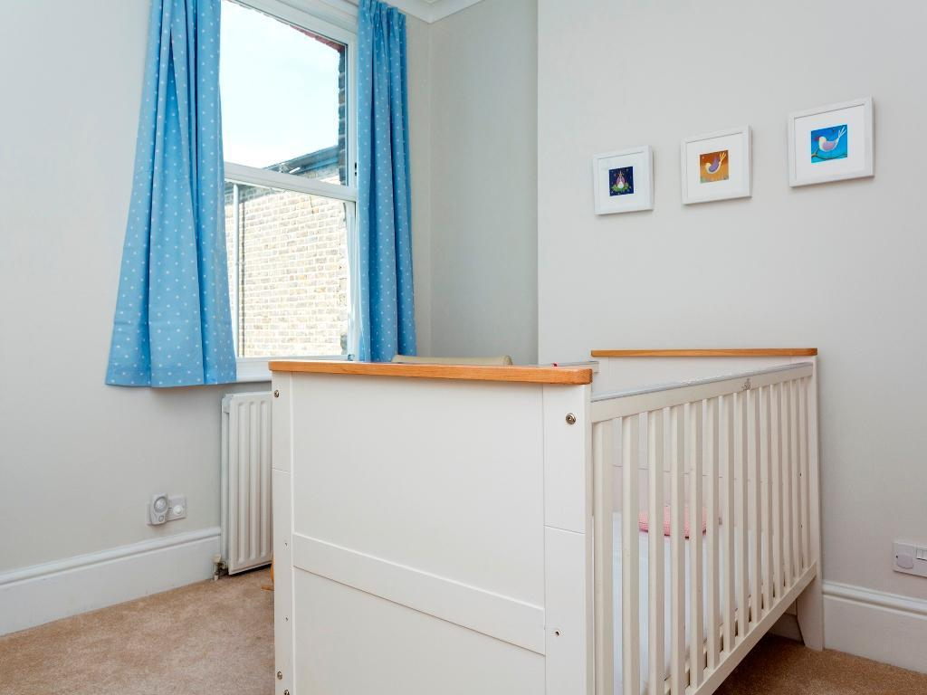 Veeve  4 Bed Home On Larden Road In Ealing