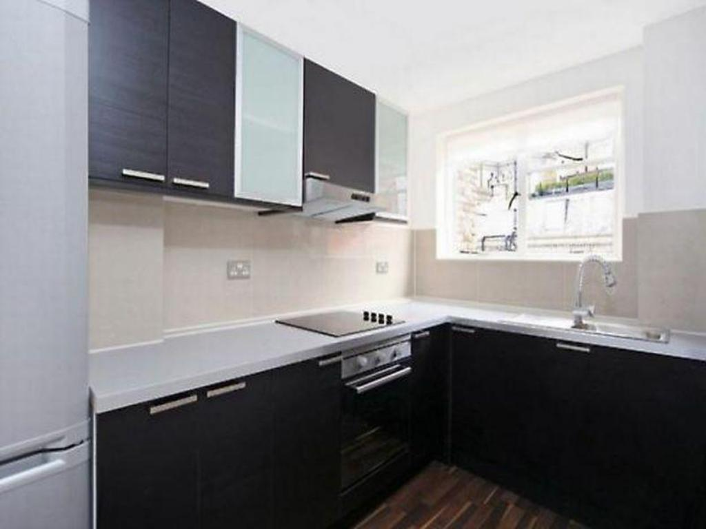 кухня Veeve  Bright Two Bed Apartment In The Heart Of Mayfair Farm Street