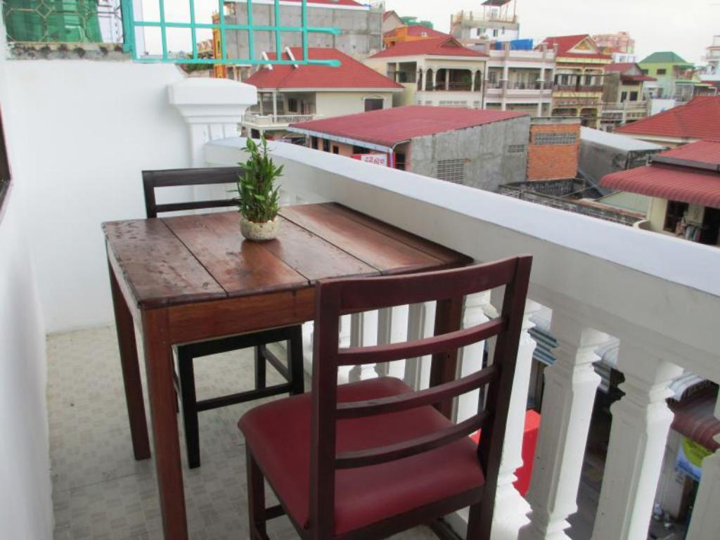 Balcony/terrace Tuk Tuk Hostel
