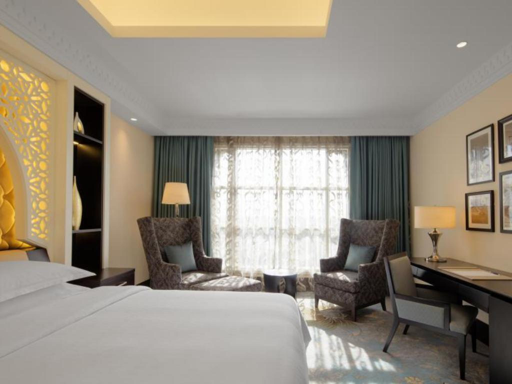 Deluxe - Guestroom Sheraton Sharjah Beach Resort and Spa