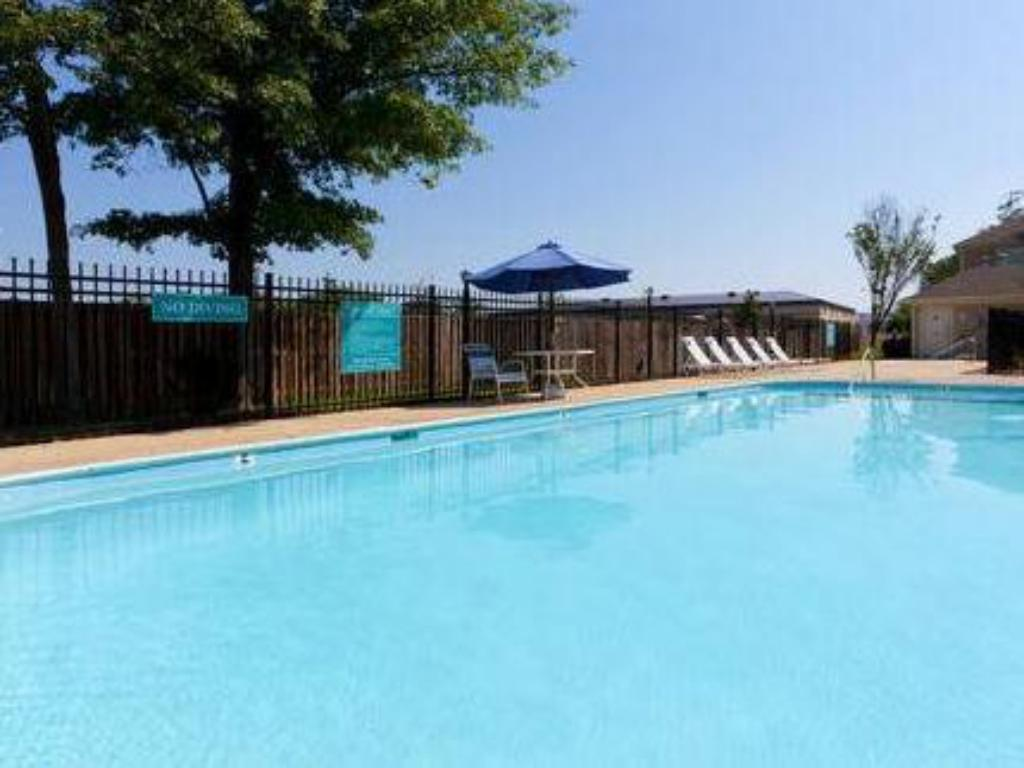 Swimmingpool Staybridge Suites Herndon-Dulles