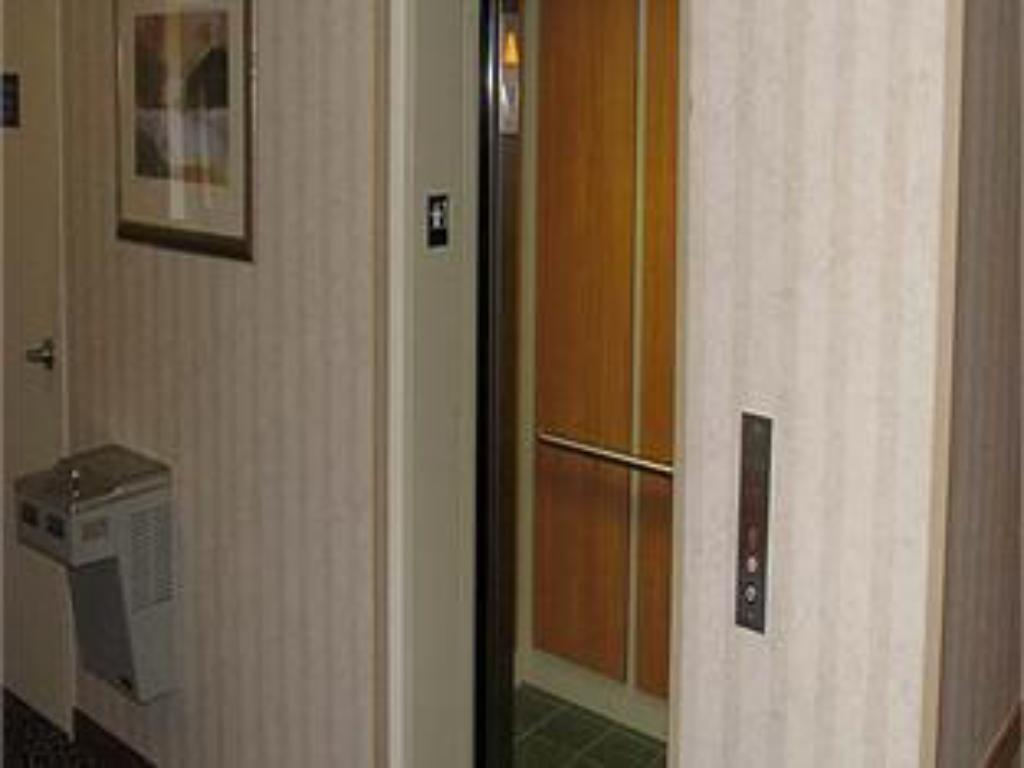 Vista interior Holiday Inn Express Vernon-Manchester