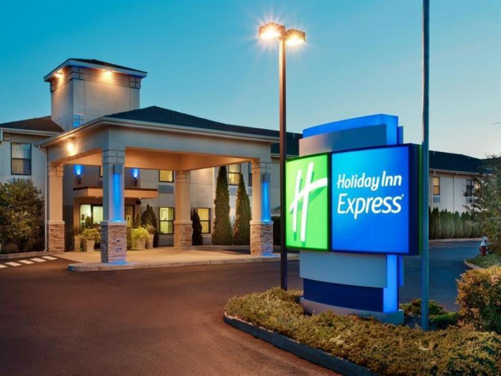 Holiday Inn Express Vernon-Manchester