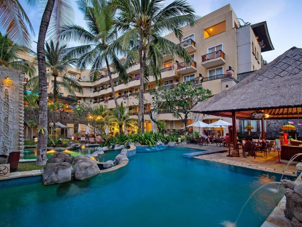 Best price on kuta paradiso hotel in bali reviews for Best hotels in bali