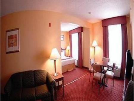 Holiday Inn Express Bloomington West in Bloomington (IL) - Room