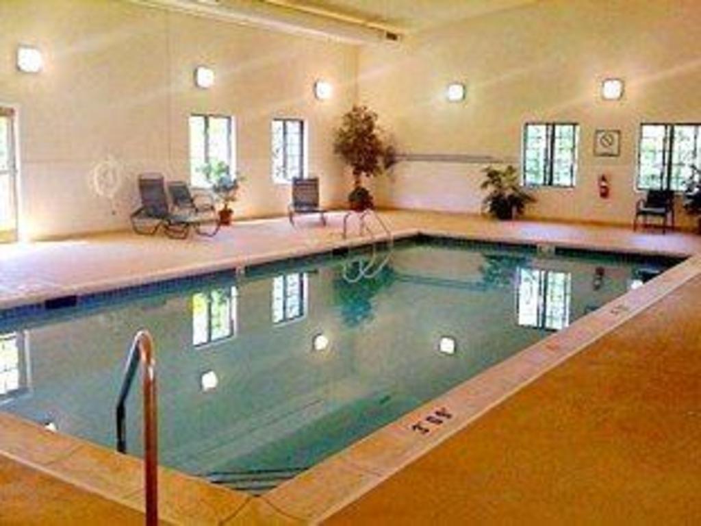 Staybridge Suites Lincolnshire In Lincolnshire Il Room Deals Photos Reviews