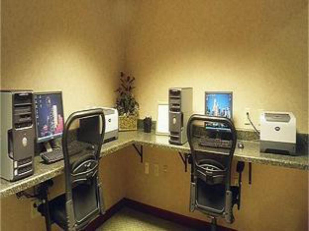 Business center Holiday Inn Express Hotel & Suites Dallas Lewisville