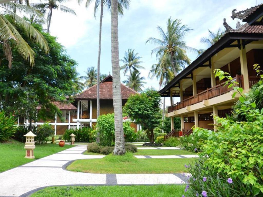 Best Price on Kila Senggigi Beach Hotel Lombok in Lombok + Reviews!