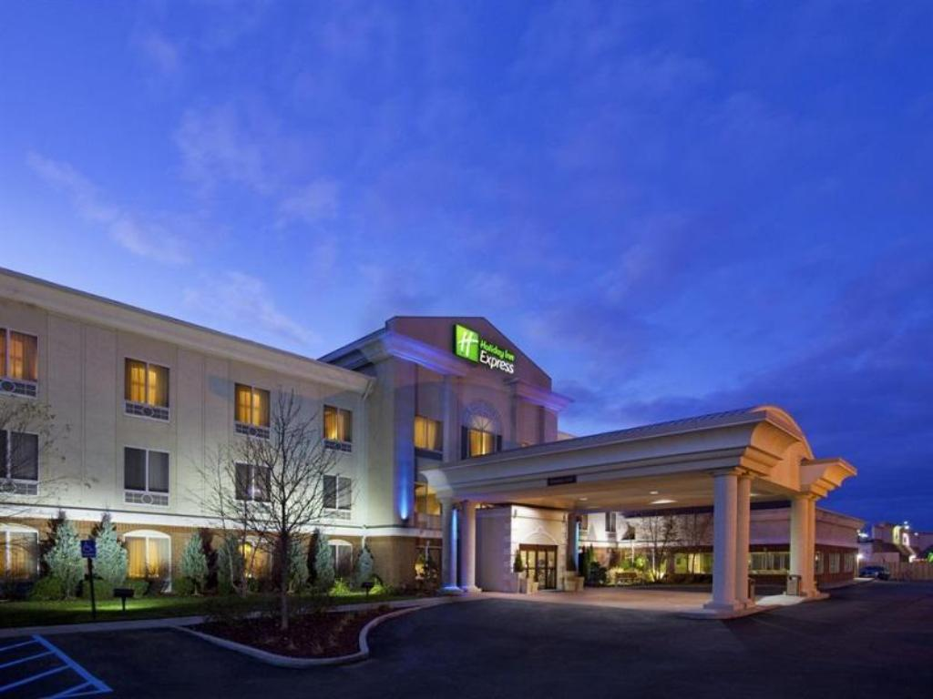More about Holiday Inn Express Toledo-Oregon