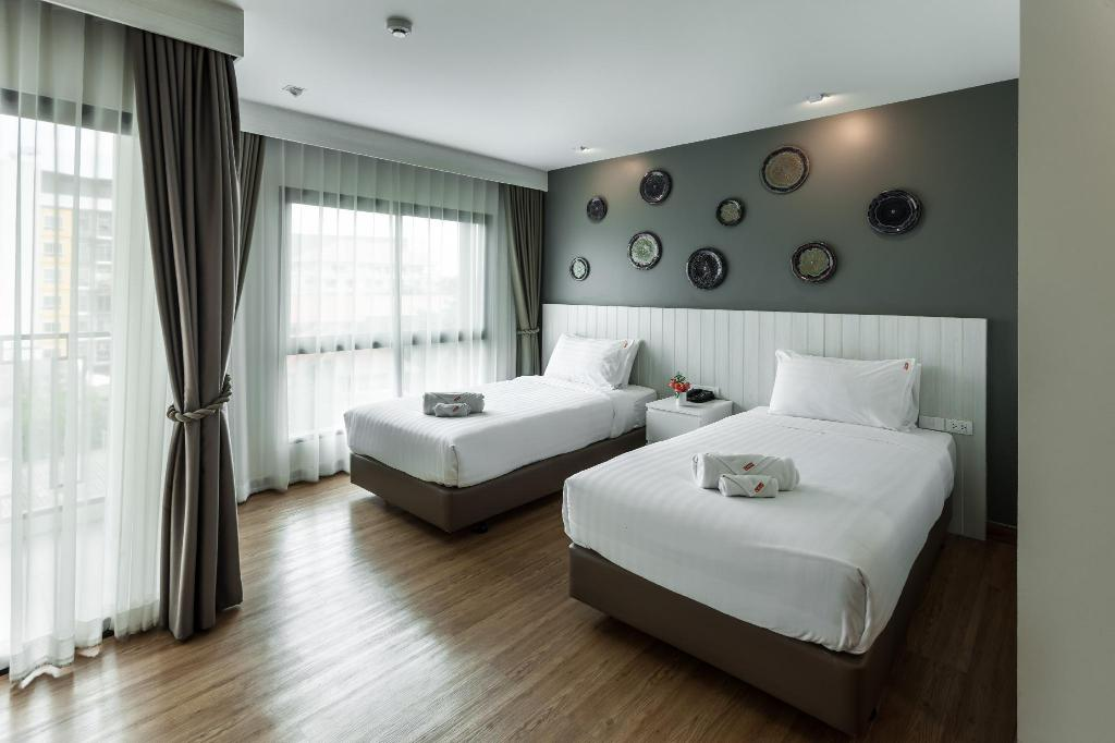 Superior Twin - Bedroom Cmor Hotel Chiang Mai by Andacura