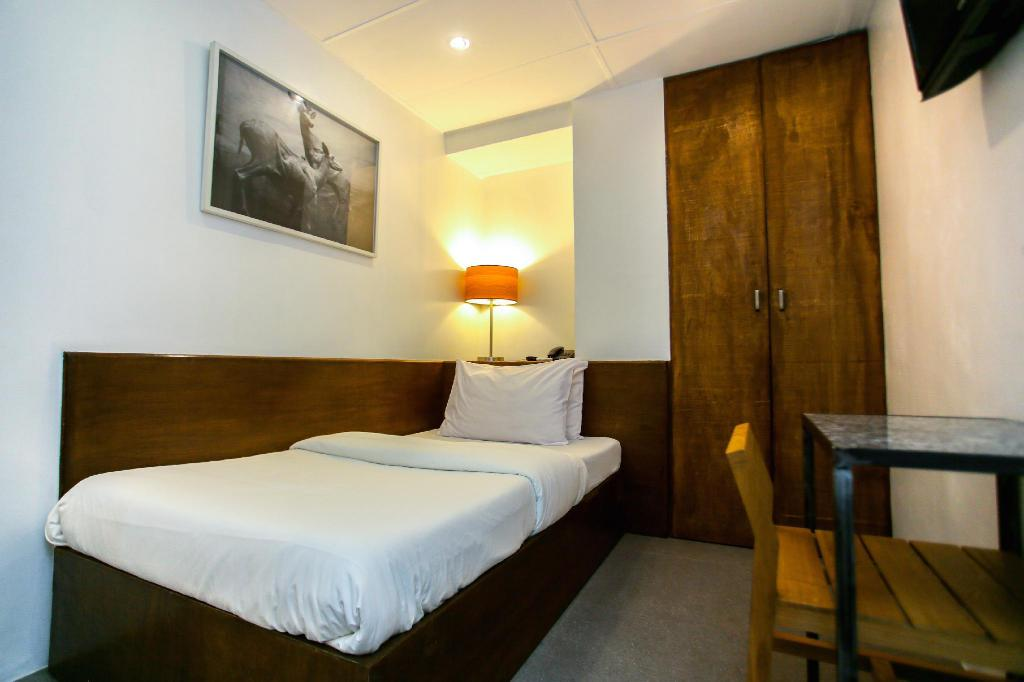 Single - Bed Hotel Durban Makati