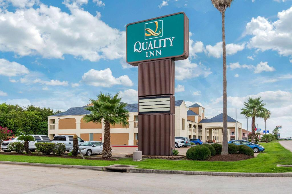 More about Quality Inn Clute Freeport