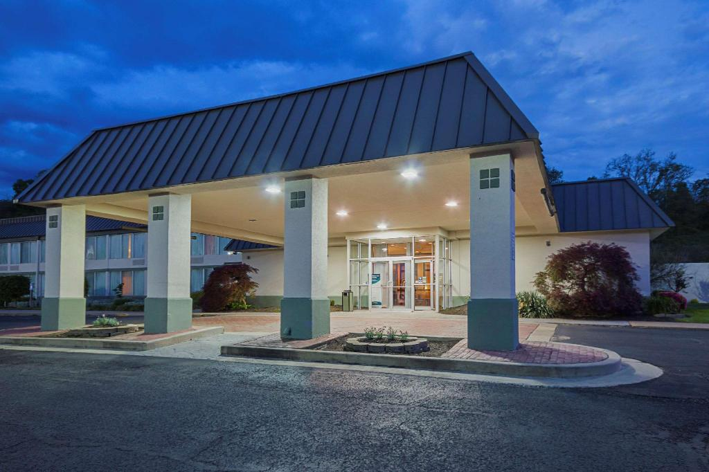 cheap hotels in fairmont wv