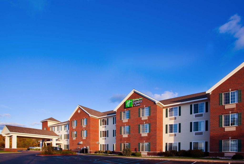 More about Holiday Inn Express Hotel & Suites Acme-Traverse City