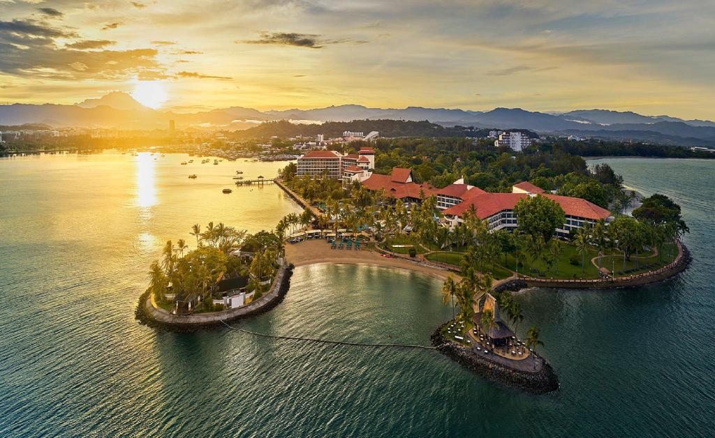 More about Shangri-La's Tanjung Aru Resort & Spa