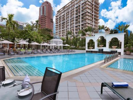 Swimming pool [outdoor] Hotel Istana Kuala Lumpur City Centre