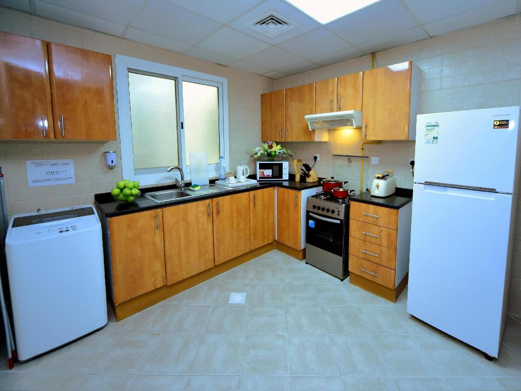 1 Bedroom Suite Apartment - Kitchen Emirates Stars Hotel Apartments