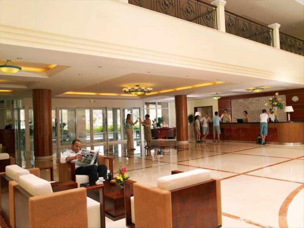 Lobby Fujairah Rotana Resort and Spa