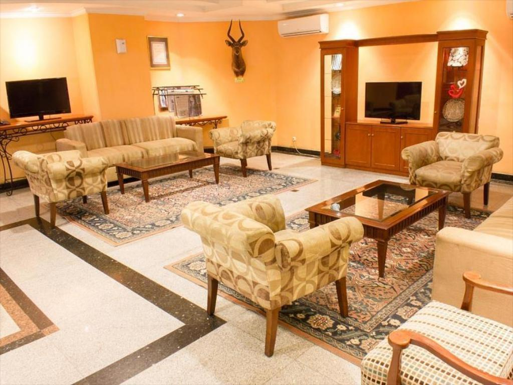 Lobby Travellers Suites Serviced Apartments