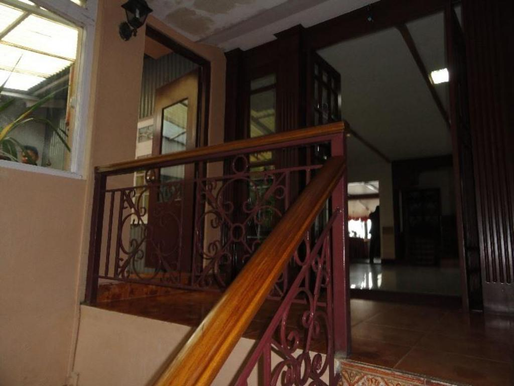 Interior view Travellers Inn Hotel