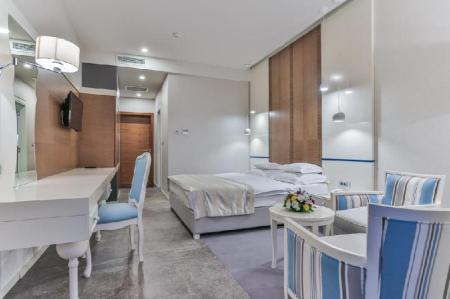 Double or Twin Room with Balcony Hotel Bracera