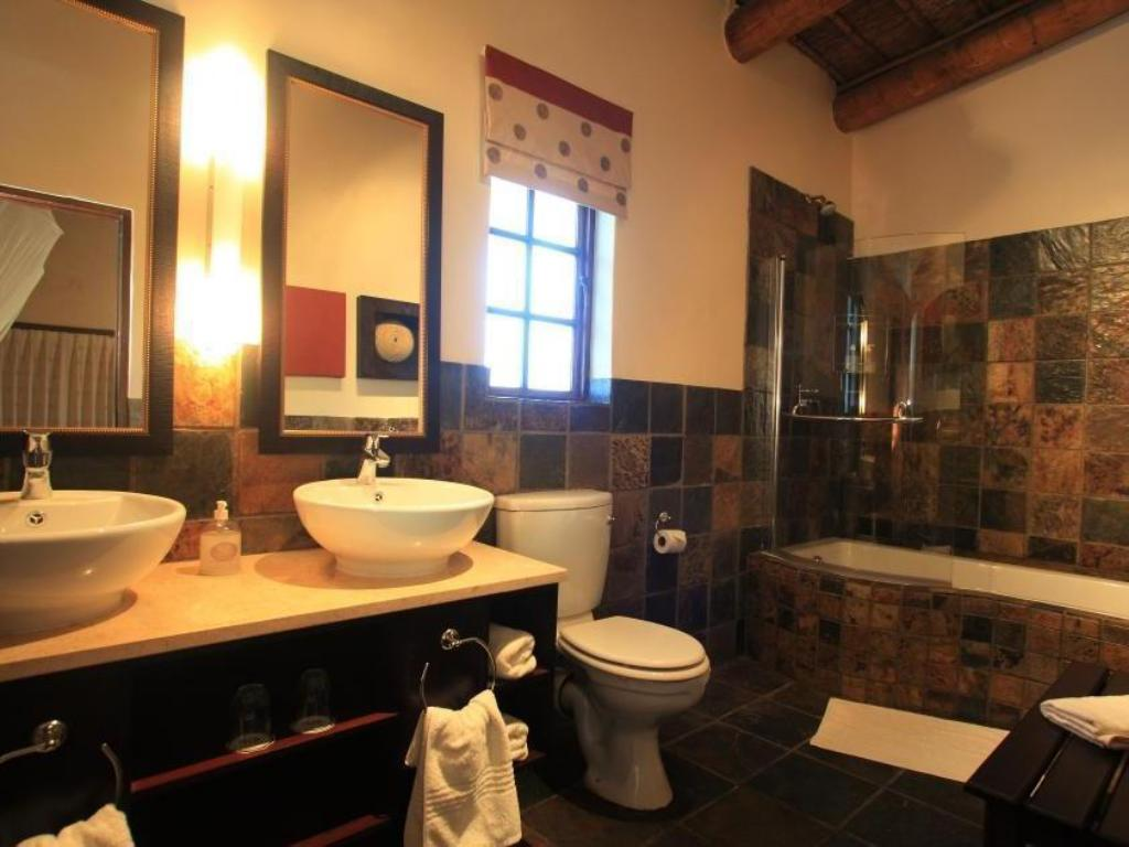 Water View - Bathroom Garden Route Game Lodge