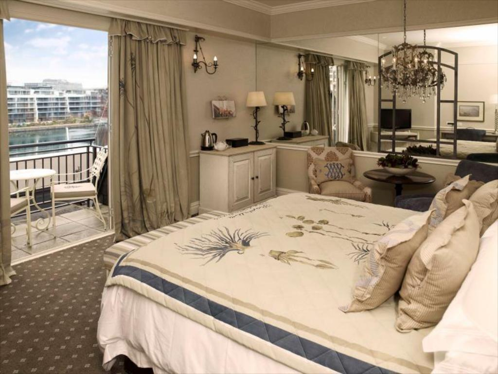 Luxury Twin Cape Grace Hotel and Spa