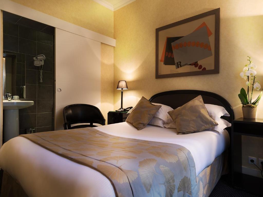 Centre Ville Etoile Hotel in Paris - Room Deals, Photos & Reviews