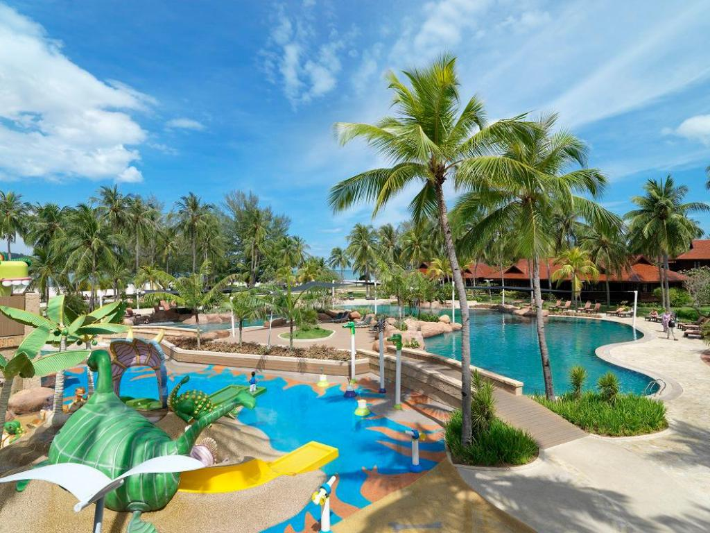 Zwembad Meritus Pelangi Beach Resort & Spa