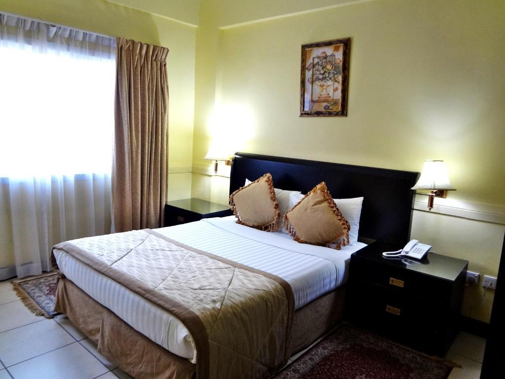 Best Price On Deebaj Al Khabisi Plaza Hotel In Dubai