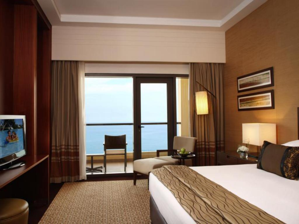 Classic Sea View Suite - Bed